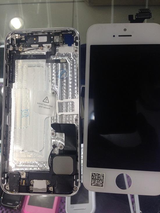 Kadıköy cep dünyası acil ekran değişimi İphone 5s